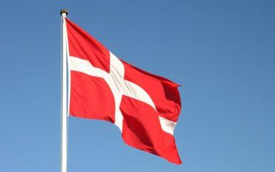 Flaget tages ned  1. oktober kl. 14